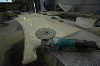 Изготовление подоконников из камня в Санкт-Петербурге ГК ХОМИКС